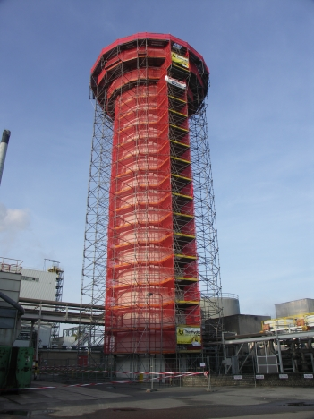 betonrenovatie watertoren in de steigers