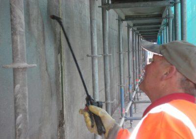 Na behandelen betonreparatie