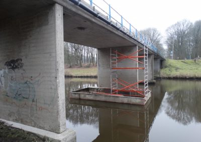 Betonrenovatie brug in de Steegerf