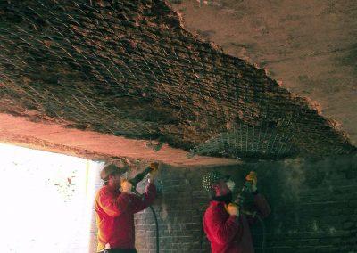 Uithakken betonschades
