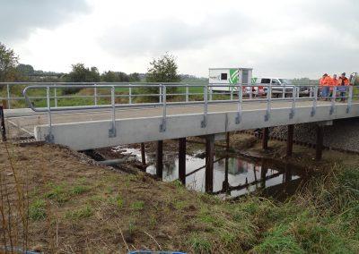 Zijaanzicht nieuwe brug