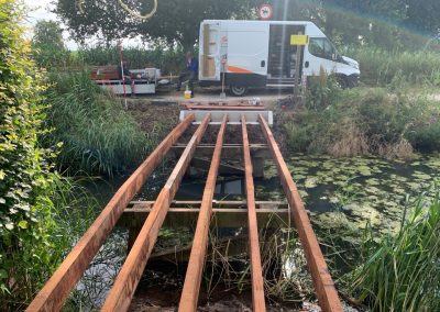 Onderbouw houten brug