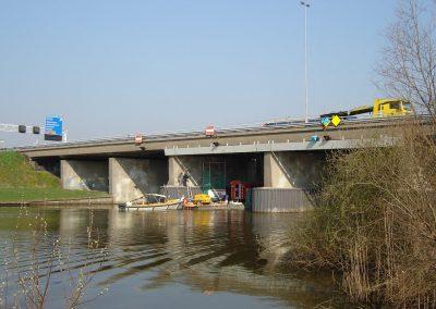 Renovatie brug over de Linge